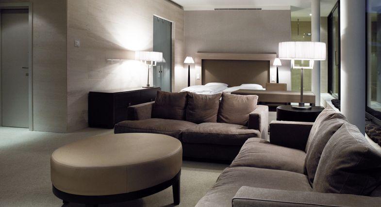 vienna house qf dresden dresden. Black Bedroom Furniture Sets. Home Design Ideas